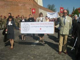 Bractwo św. Zofii w procesji z Wawelu na Skałkę