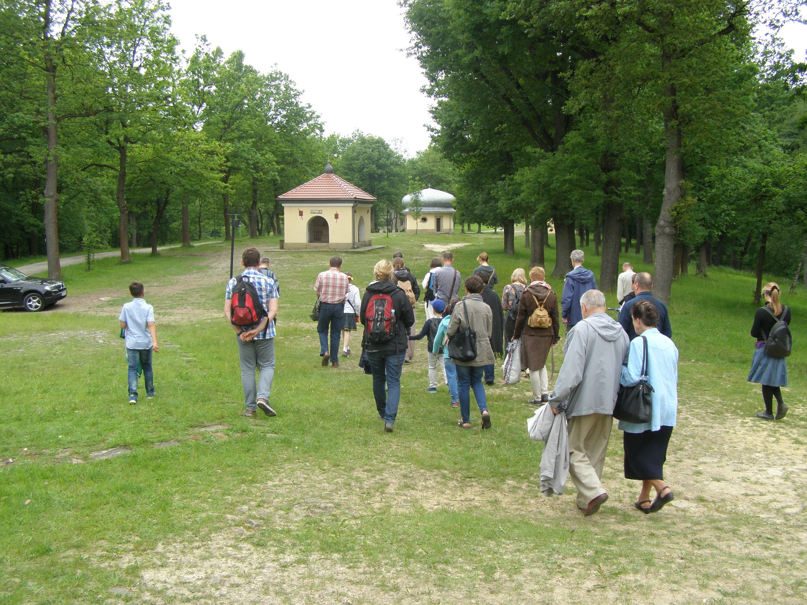 Pielgrzymka do Kalwarii-do Stacji Weronika ociera twarz Jezusa_2016